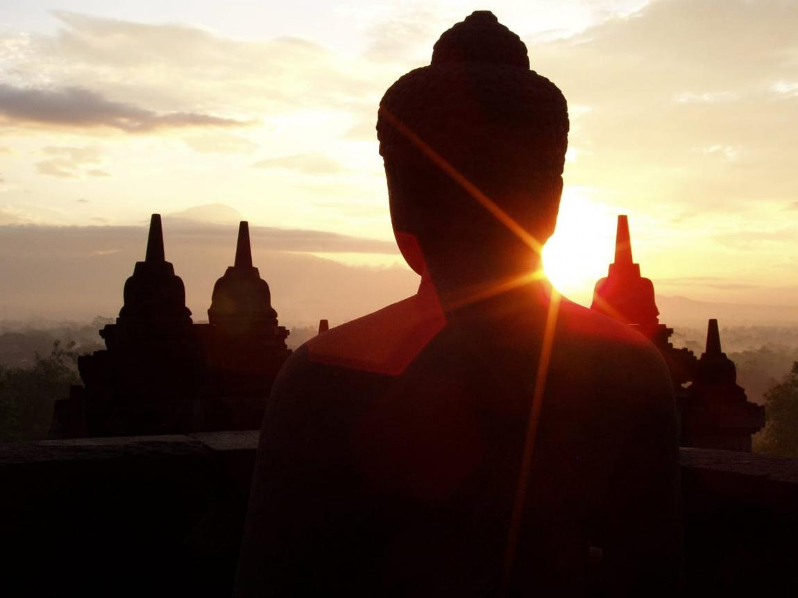 Borobudur Sunrise Tour | See the sunrise above the Temple